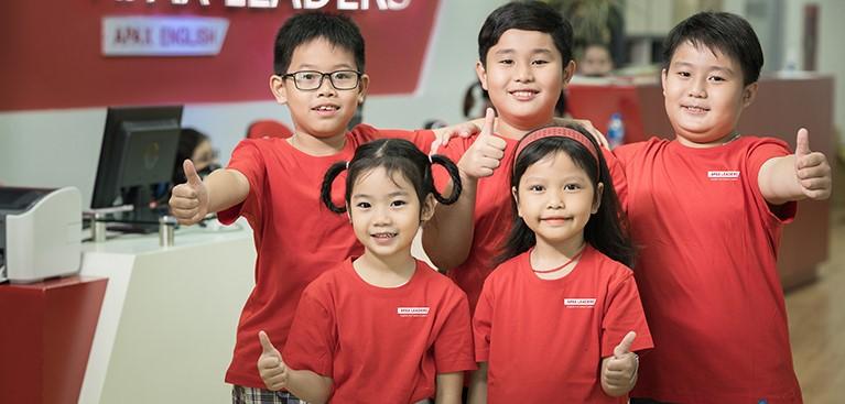 """Tư duy dẫn đầu cùng Leader for Life - tích hợp chương trình giáo dục hàng đầu của Tổ chức Franklin Covey (Mỹ) ứng dụng quy trình """"7 thói quen thành công"""", dạy cho trẻ các kỹ năng hướng tới thay đổi tư duy toàn diện từ bên trong, hình thành các thói quen tốt, phát huy tiềm năng và xây dựng tinh thần lãnh đạo bản thân."""