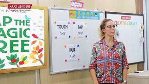 Giáo viên nước ngoài dạy tiếng Anh miễn phí cho trẻ